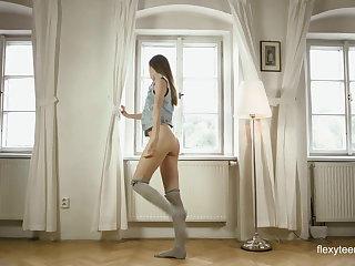 Brunette gymnast Anna Netrebko in Prague spreading legs