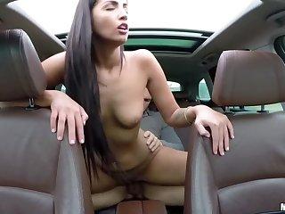 Hungarian Babe's Backseat Fianc�