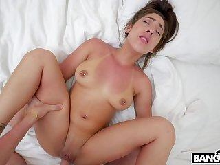 Sexy brunette latina lady around great dabbler porn