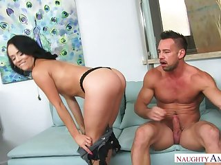 Kristina Rose fucking in dramatize expunge couch with her bubble gluteus maximus