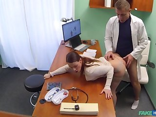 Debase gets sexy patients pussy drenched