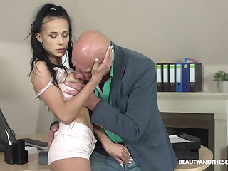 Hot increased by stunning Nicole Love likes hard sex hither elder dude on an obstacle chifferobe