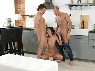 Young amateur deals both her feigning brother and his join up