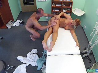 Doctor gets his rocks off nigh sexy young patient Crissy Fox