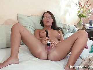 British Coed Jess West Vibes Her Clit anent a Powerful Vulva Twitching Finish